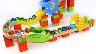 Aprende Colores con Tobogán de Juguete de Bolas y Canicas! Juegos Infantiles