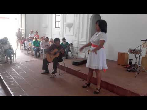 Margy con el Maestro  Valmore Nieves. Chabuca Limeña de Manuel Alejandro.