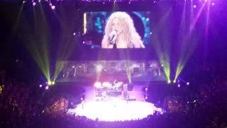 Шакира, Shakira doing her thing