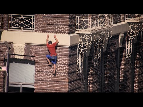 Guy Climbs A Building With No Equipment Like A Real-Life Spider-Man