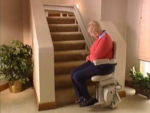 SRE-3000 | Silla sube escaleras : Recupere su autonomía y la libertad en sus movimientos con la silla sube escaleras. De fácil instalación y bajo mantenimiento, le brinda la posibilidad de acceder a cualquier nivel de su casa con solo presionar un botón .