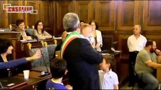 preview picture of video 'FAUSTO SERVADIO GIURA DA SINDACO DI VELLETRI (13/06/2013) - www.castellilive.com'
