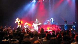 The Champion in Me - 3 Doors Down 2009 Live