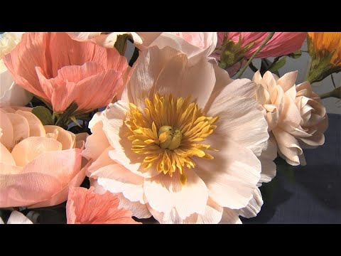 Faux flowers are a budding trend thanks to a Kirkland paper florist - KING 5 Evening
