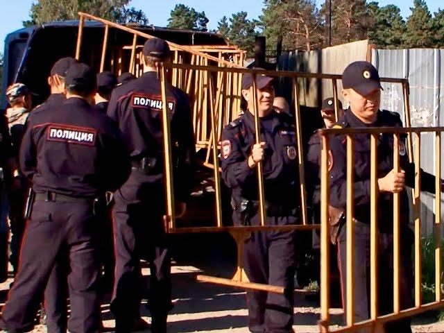 В Ангарске сносят незаконные гаражи