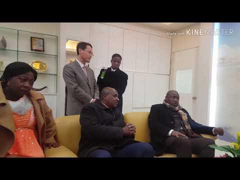 Bishop Paul David Olangi Rencontre Doctor SooJin Lee à Seoul
