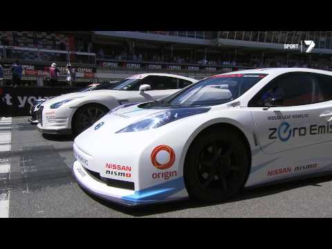 """Time Attack"" - NISMO LEAF RC vs Nissan GT-R vs Nissan Altima V8 Supercar"