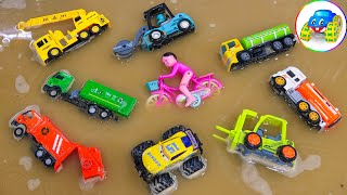 Find toy cars after the water has swept away - Kid Studio