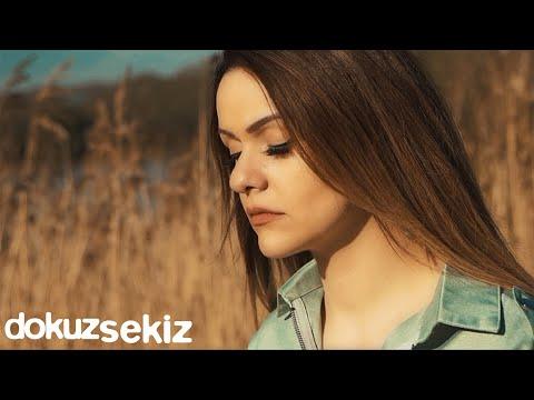 Melis Aydın - Sensiz Uyandım (Official Video) Sözleri