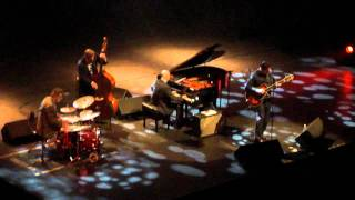 John Pizzarelli - Here Comes The Sun / Can't Buy me Love (Beatles cover)