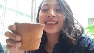Icipin Minum Kopi Sekaligus Makan Gelasnya di Kafe Joe & Dough