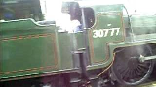 preview picture of video '30777 Sir Lamiel passes through Taplow'