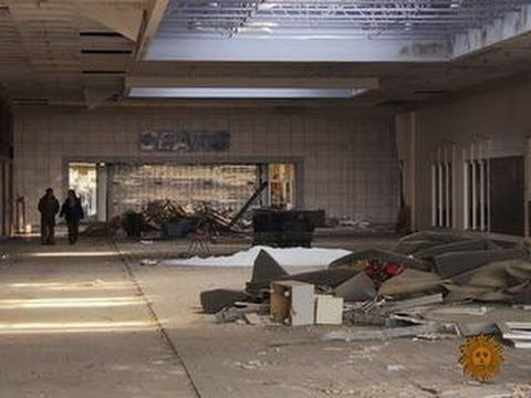 American shopping malls struggle to survive (2014)