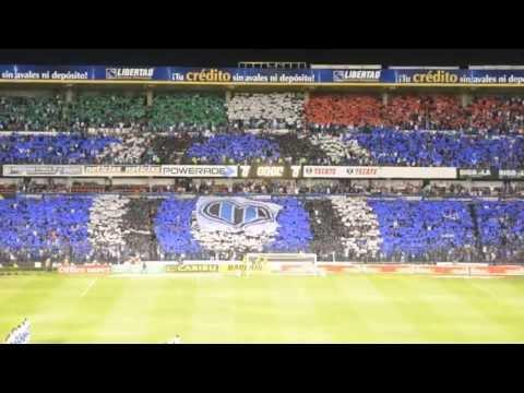 """""""Gallos Blancos Querétaro vs Puebla Resistencia Albiazul : Recibimiento MEGA BANDERA"""" Barra: La Resistencia Albiazul • Club: Querétaro"""