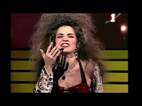 Gloria Trevi | Con Los Ojos Cerrados (HD)
