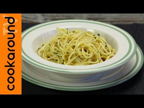 Spaghetti aglio e olio alla napoletana / Ricette primi piatti
