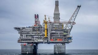 Trump denies Exxon exemption from sanctions