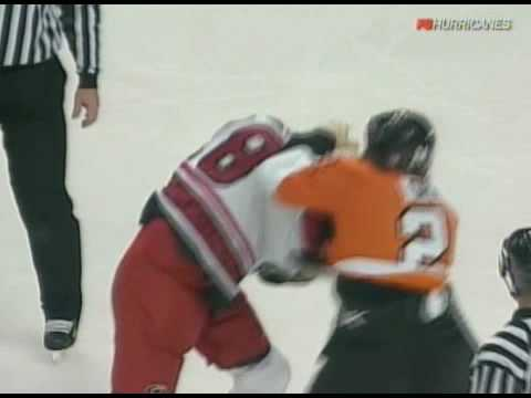 Wade Brookbank vs Josh Gratton