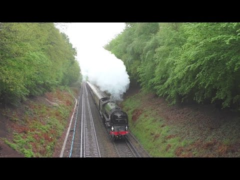 LNER Peppercorn A1 Class 60163 'Tornado' climbs the bank to …