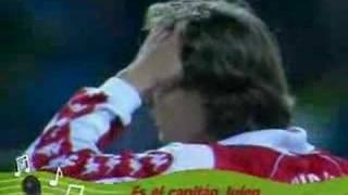 Leonardo Dantés canta a Julen Guerrero