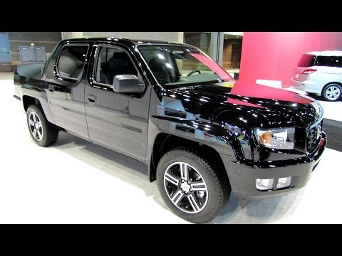 2014 Honda Ridgeline Sport 4WD - Exterior and Interior Walkaround - 2014 Chicago Auto Show