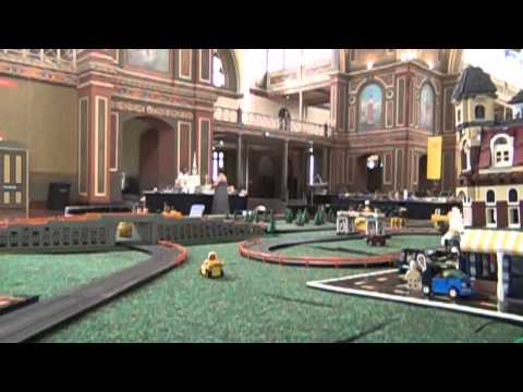 Brickvention 2013 –  LEGO slot car crashes