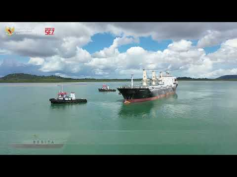 Ekspor Perdana PT Bintan Alumina Indonesia di KEK Galang Batang