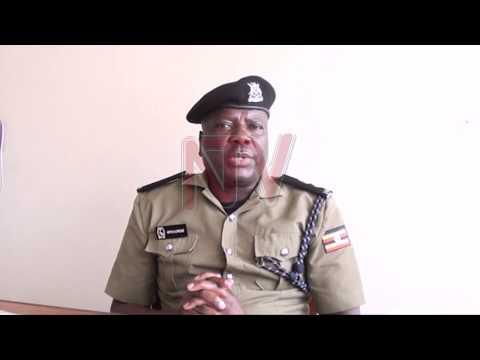 TAATA ASSE BEBI WE: Poliisi ekubye amasasi okumutaasa ku batuuze
