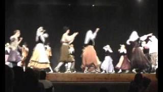 preview picture of video 'Tres danses de l'Esbart Castell de Tona 2009'