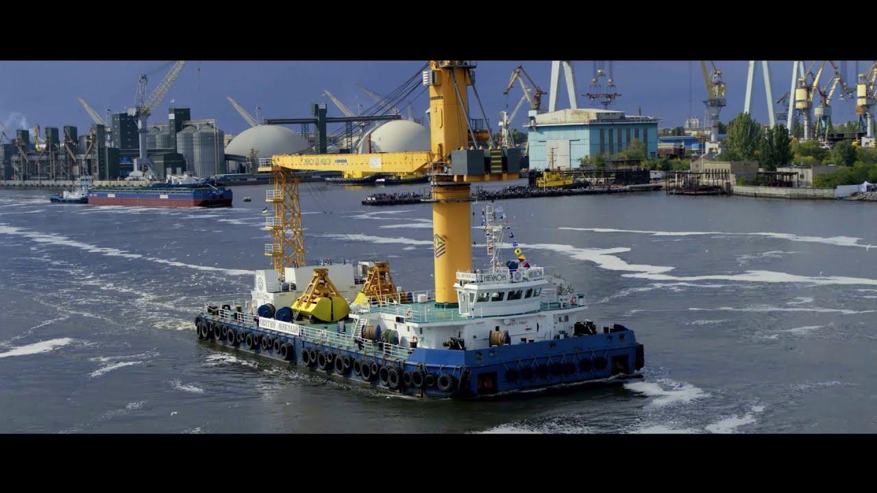 Грандіозне водне шоу НІБУЛОНівського флоту в Миколаєві (ВІДЕО)