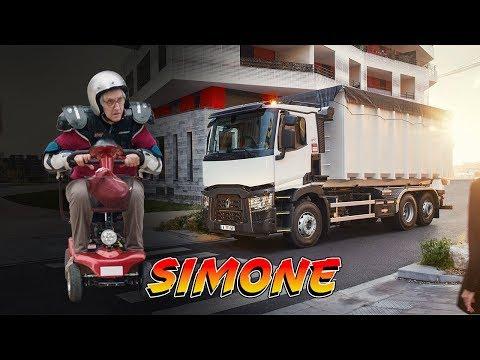 """Pub Renault Truck     """"Les Flippés""""  Simone n'a plus peur des camions"""
