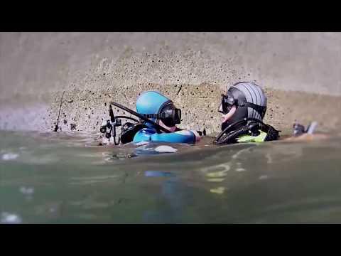 Plongée sur le port artificiel d'Arromanches