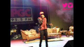 """August Alsina Performing """"Let Me Hit That"""" Live @ FSO"""