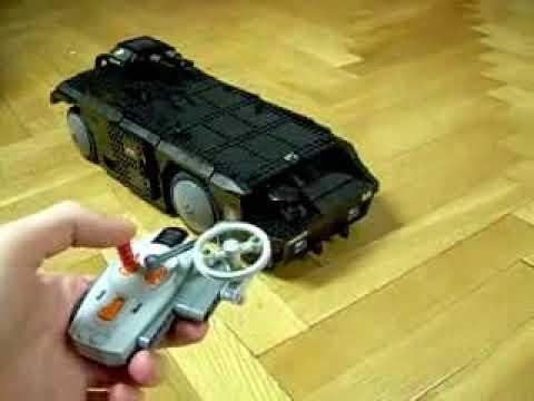 """Model transportera z """"Obcych"""" z klocków Lego"""