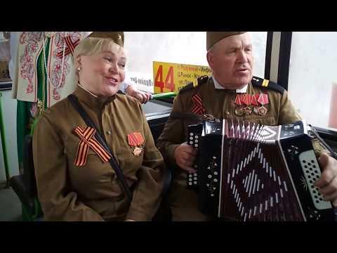 Поющий автобус к 73 годовщине Победы в Кирове