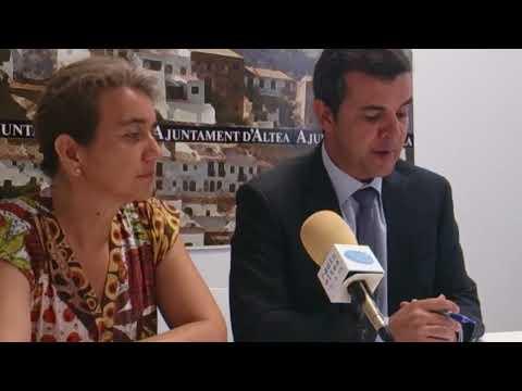 Aurelia Álvarez firma convenio con la Universidad de Alicante