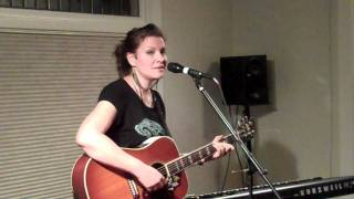 "Antje Duvekot - ""I Am Stretched On Your Grave"" @Concerts At Our House"
