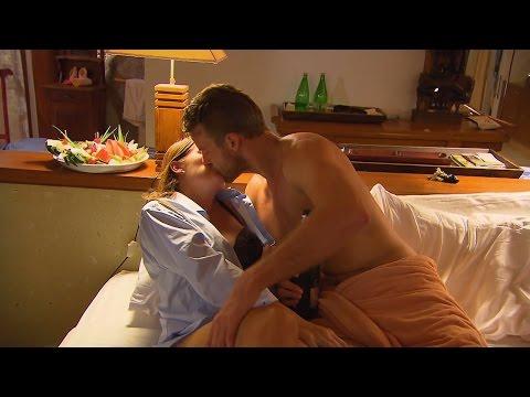 Ein kleines Mädchen und ein Junge in Sex-Video beschäftigt