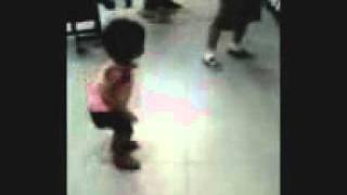 BABY Amariah can Dance