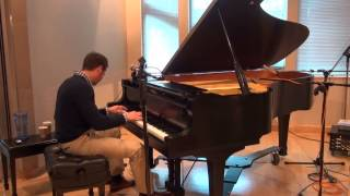 Italian guy sits down at a piano - blows away the whole studio audience!