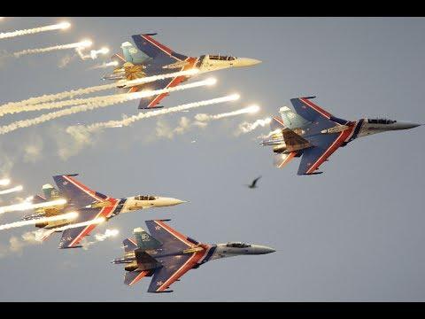 MAKS 2017: 'Russian Knights' aerobatics group stunning stunts (360 Video)