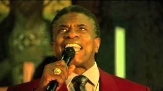 Keith David singing O Holy Night with The Golden Gospel Pearls