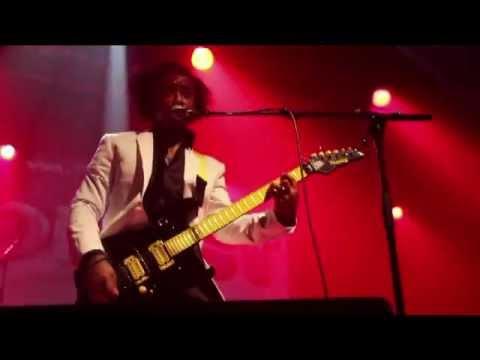 GABRIEL EQUERRE live machine du moulin rouge 2012