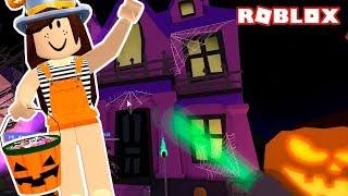 Собираем конфетки в Roblox вечером halloween в meep city
