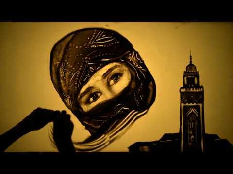 נופי מרוקו מוצגים באמנות בחול