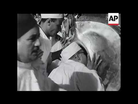 Archive footage of 1950s Hajj pilgrimage ++REPLAY++