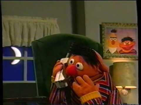 Sesame Street - Ernie Misplaces Rubber Duckie