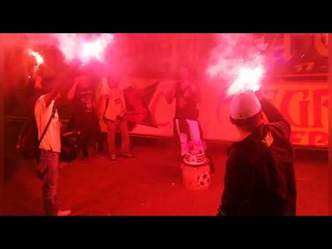 """Cámara Sur Oscura 15 años ALMA OSCURA"" Barra: Sur Oscura • Club: Barcelona Sporting Club"