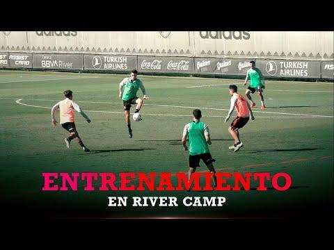 Fútbol en campo reducido en el entrenamiento de River