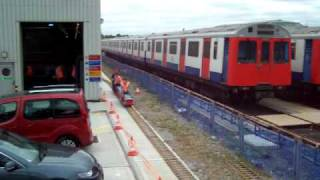 preview picture of video '3-car miniature 1938TS train at Upminster Depot Open Weekend'